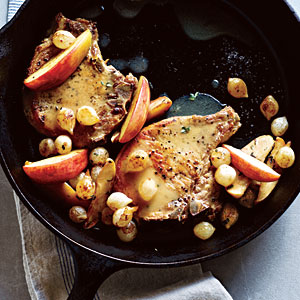 pork-chops-apples-onions-ck-l